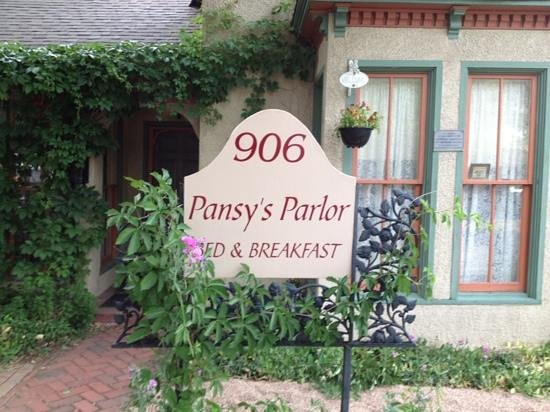 Foto de Pansy's Parlor Bed & Breakfast