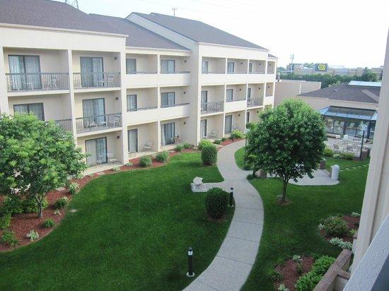 Courtyard Minneapolis Eden Prairie: View