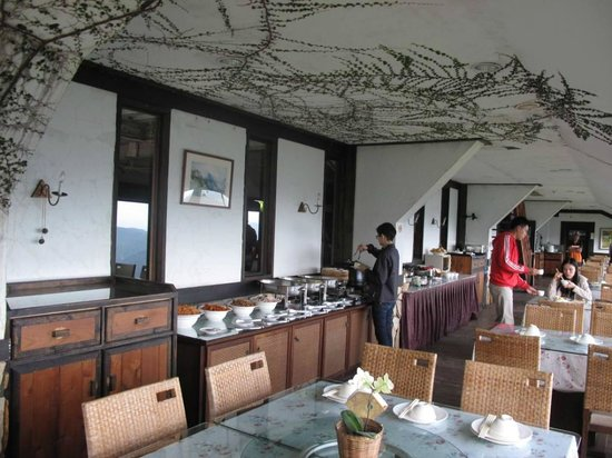 Top Cloud Villa Of Cingjing : Breakfast time!