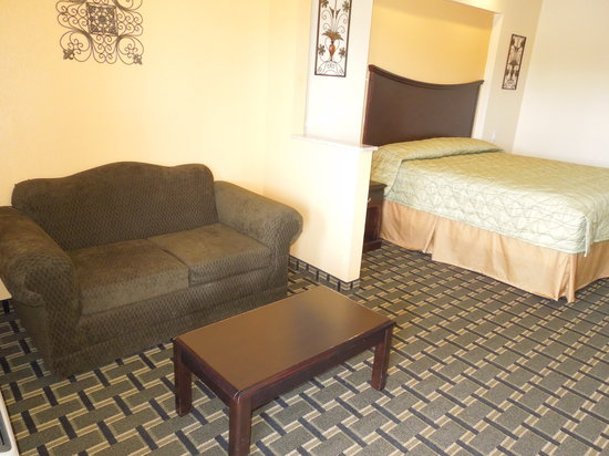 Homegate Inn & Suites: KING2