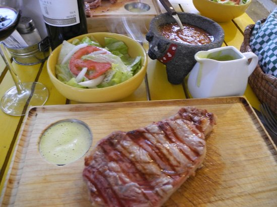 La Artesanal: The steak is so juicy