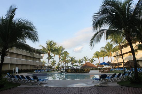Doubletree Resort by Hilton, Central Pacific - Costa Rica: pool area by Building 3