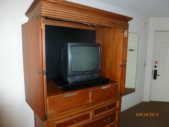 Sea Palms Resort & Conference Center: tiny TV