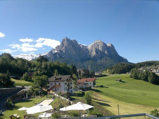 Hotel Alpenflora: Ausblick von der Terrasse