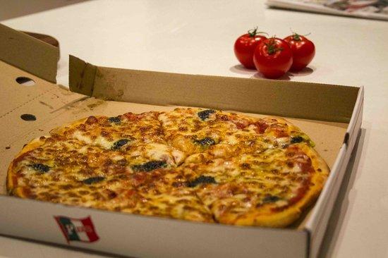 Ipazzi Ristorante Italiano: margherita pizza