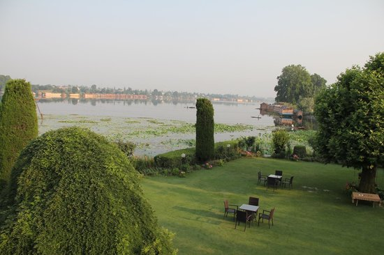 Hotel Dar-Es-Salam: Nagin lake