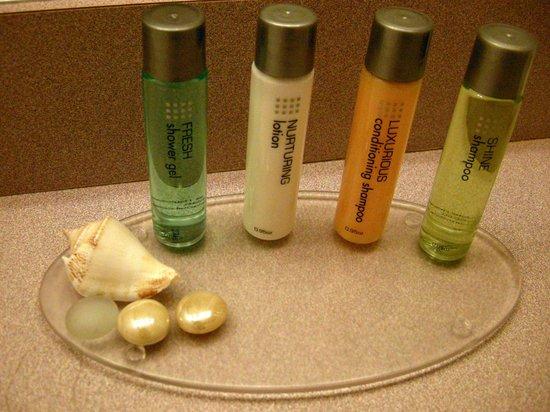 Bayside Resort Hotel: Bathroom samples