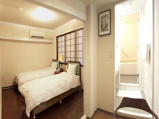 Hotel Naniwa: Twin room