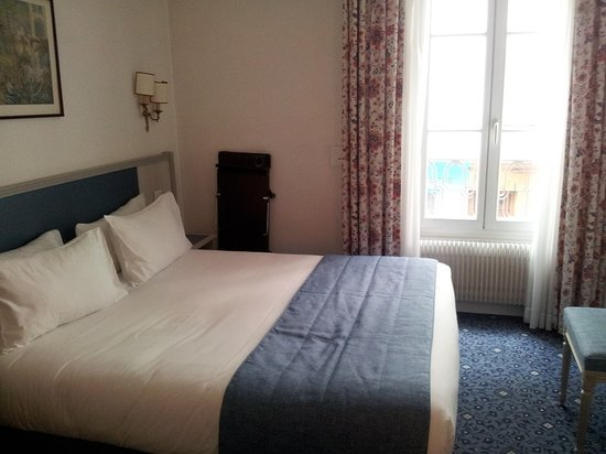 Hotel Jardins d'Eiffel: My lovely little room...