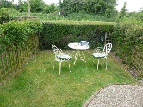 Spire Cottage: Private garden