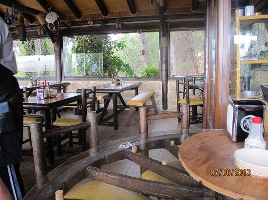 Restaurante El Mirador: The furnishing in the new main eating area