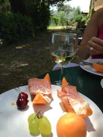 Antica Villa Poggitazzi : lunch Time