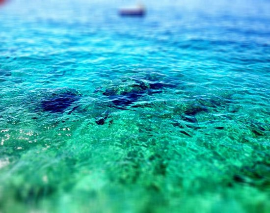 Amphora Hotel: clear water