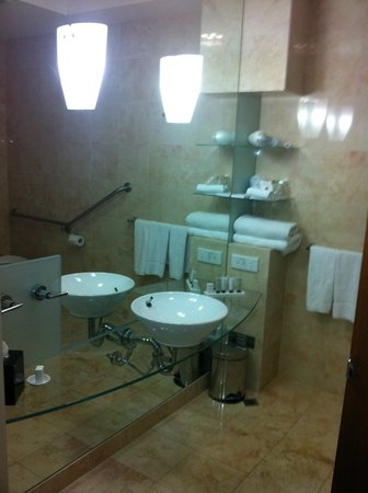 Peppers Waymouth Hotel Bathroom With Floor To Ceiling Mirrors Nowhere Hide