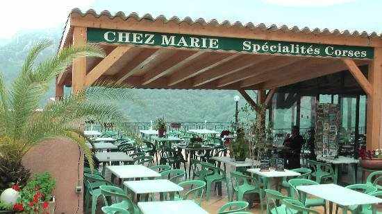 Chez Marie: terrasse vue panoramique cuisine familiale