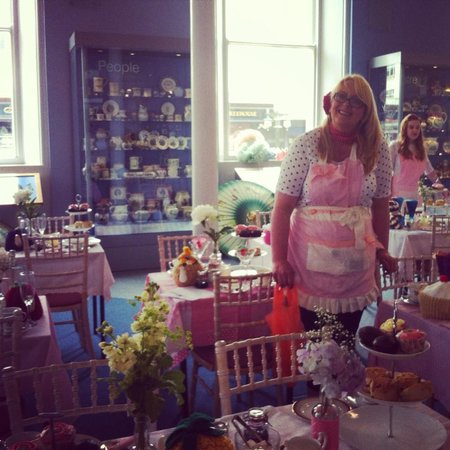 Serendipity Tea & Trinkets: June with Serendipity at the vintage festival.
