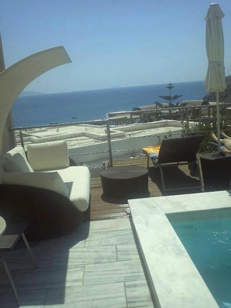 Antinea Suites Hotel & Spa : room with private pool.