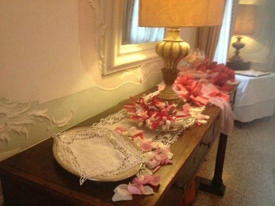 Villa Condulmer Hotel : tavolo confettata