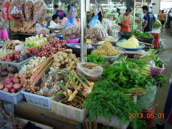 Smart Cook Thai Cookery School: Krabi Market - ask questions