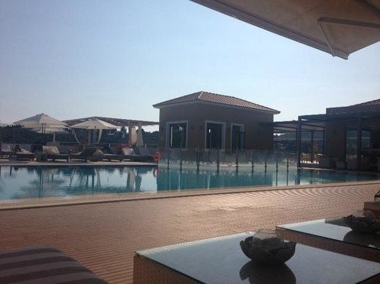 Skiathos Premier Hotel: Pool area from one of the shaded areas