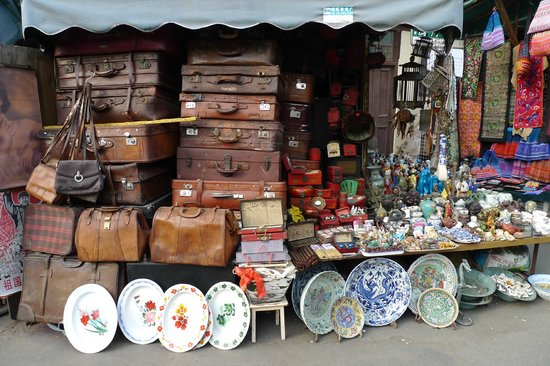 Antique shop picture of dongtai road antique market for Antique marketplace