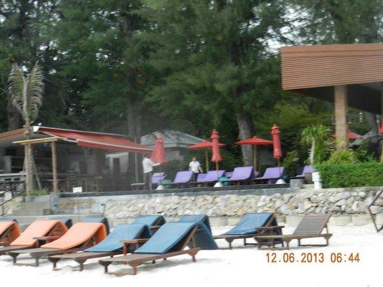 Laksasubha Hua Hin: Pool seen from the beach