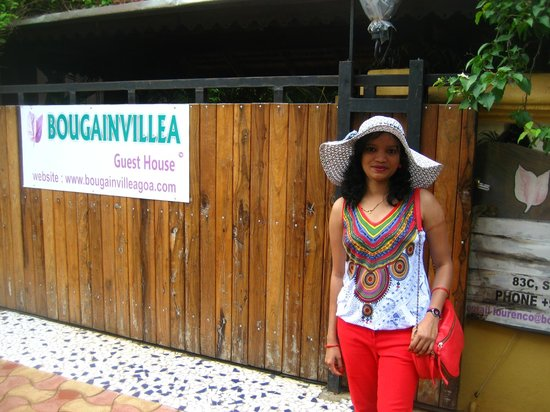 Bougainvillea Guest House Goa: in frnt da gate