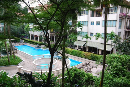 Treetops Executive Residences Singapore: 2 Bedroom apt view from the balcony