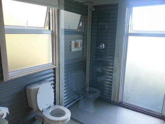 Old Mac Daddy: Bathroom