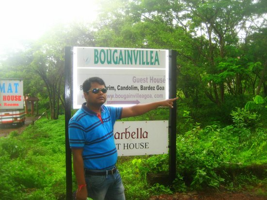 Bougainvillea Guest House Goa: way to guest house