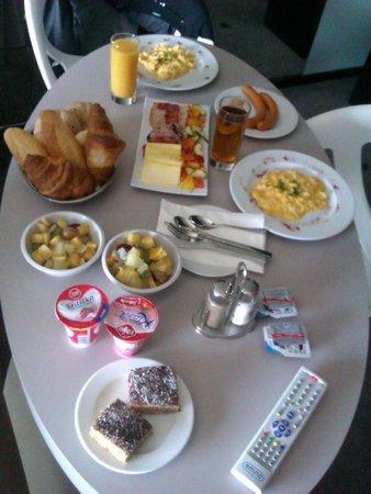 Hotel Yasmin Kosice: Breakfast