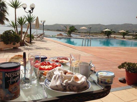 Balos Beach: Frühstück auf der Terrasse