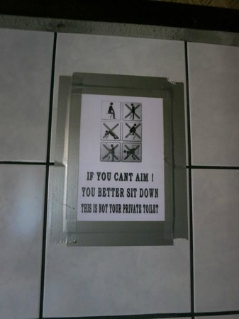 Patrik & Tezz Guesthouse: Funny Toilet sign