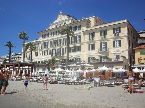 Grand Hotel Alassio: Great location