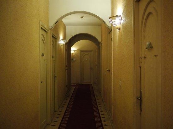 Hotel Mounia: 廊下