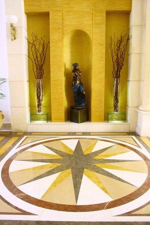 Le Patio Boutique Hotel: Lobby