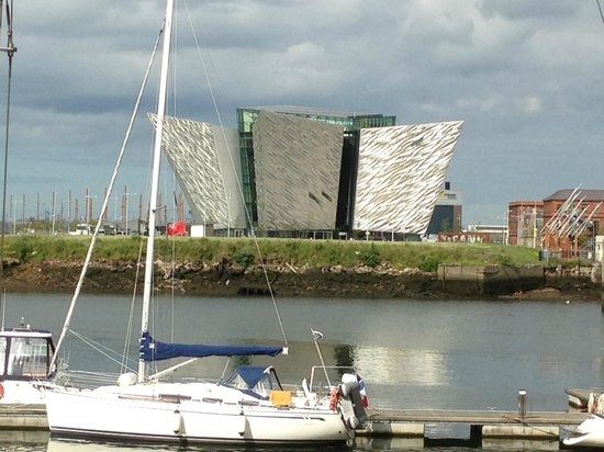 写真Premier Inn Belfast Titanic Quarter Hotel枚