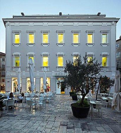 Photo of Golly&Bossy Design Hostel Split