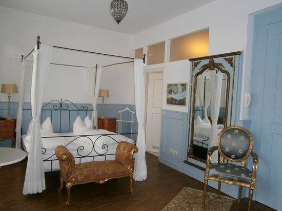 Grand Hotel Orphee: Room 205