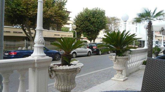 Hotel Caesar Paladium : Hôtel - terrasse