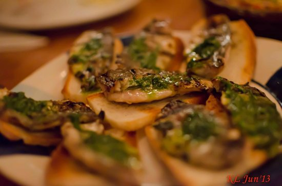 Pinchos Tapas Bar: Yummy sardines
