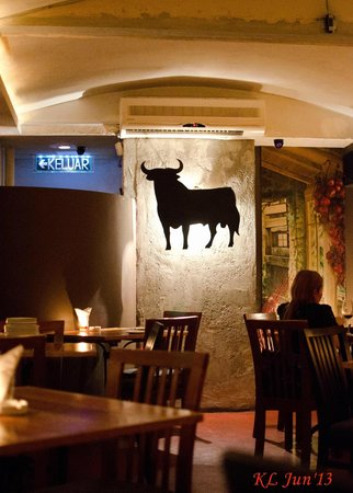 Pinchos Tapas Bar : The Bull