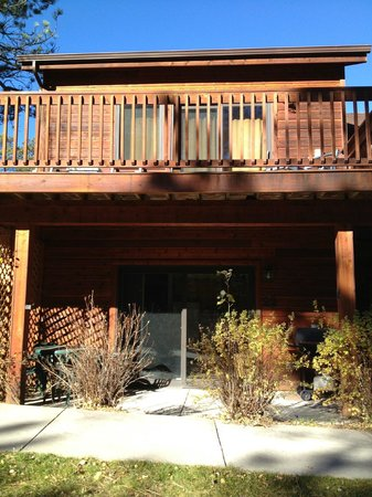 Estes Park Condos: Front of unit and patio