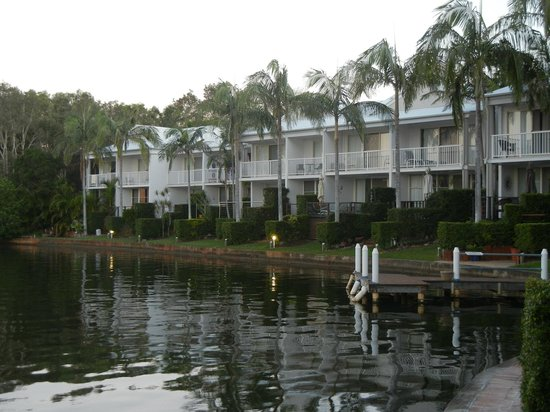 Portside Noosa Waters Resort: Townhouse 17:  view of other townhouses from deck
