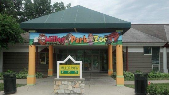 Miller Park Zoo Entrance