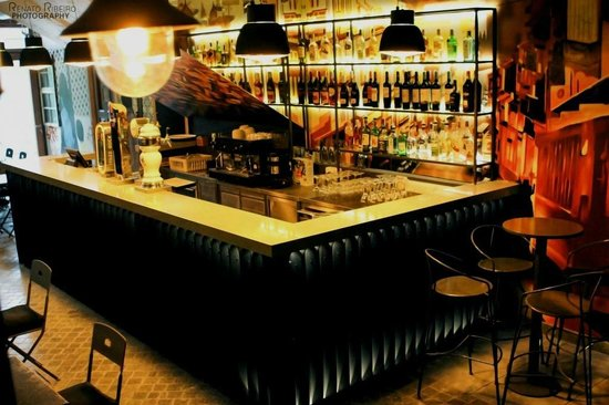 Rua- Tapas & Music Bar: Bar