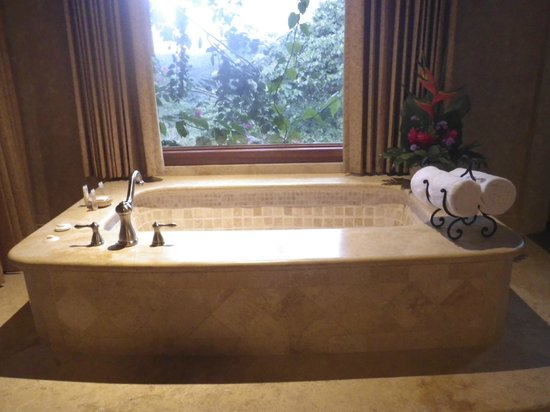 The Springs Resort and Spa: second bedroom tub