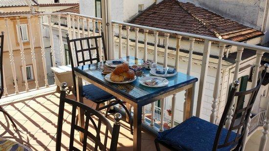 Hotel Centrale: Tavolo della colazione