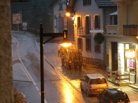 Hotel La Chaumiere : Rainy night from front room