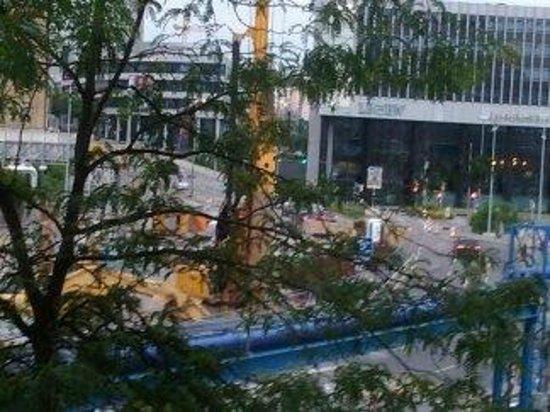 Novum Hotel Rieker Stuttgart Hauptbahnhof: Building Site outside hotel